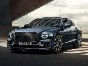 Bigger and Faster Third-Gen Bentley Flying Spur Revealed