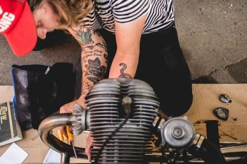 Weekend wrenching! What you working on? . . bmw r90 r75