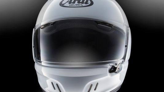 5 Things You Should Know Before Buying An Arai Defiant-X Motorcycle Helmet