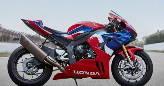 The New Honda CBR1000RR-R Is Here With 1000bhp/Tonne And Many Rs