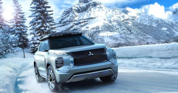 The Mitsubishi Engelberg Tourer Has The Best Roof Box We've Ever Seen