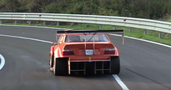 You Could Get Lost In This Cosworth-Engined BMW E36's Diffuser