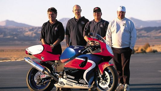 Modified Middleweight Comparison: HyperCycle's Suzuki GSX-R600-From The Archives