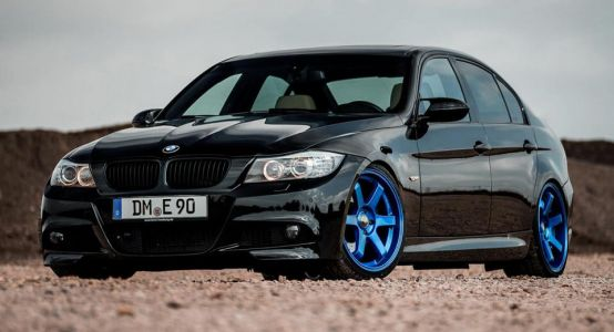 BMW 3-Series E90 Wants To Be A Bad Boy With Z-Performance Wheels