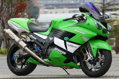 Kawasaki ZZR 1400 by Striker