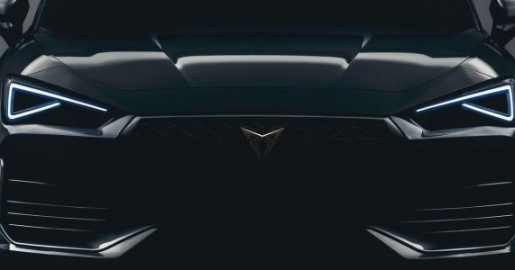 Cupra Leon's Angry Face Teased, Plug-In Hybrid Powertrain Confirmed