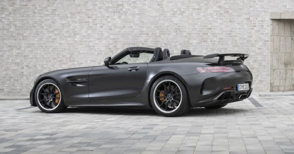The Mercedes-AMG GT R Roadster Is £30,000 More Expensive Than The Coupe