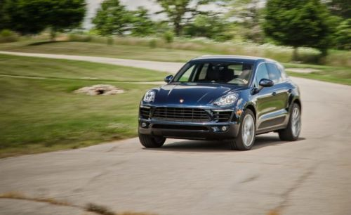 The Driver's Crossover: 2017 Porsche Macan, in Depth!