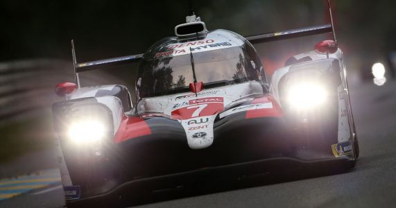 Le Mans Leaders Lost The Race In The Last Hour Because The Team Changed The Wrong Tyre