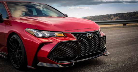 The Toyota Avalon TRD Has Big Brakes And An Even Bigger Grille
