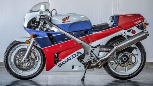 1990 Honda RC30's Promo Is As Soothing As A Bob Ross Video But With More Pistons And Dzus Fasteners