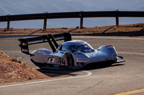 You Can Lose Consciousness During A High-Speed Corner In VW's I.D. R