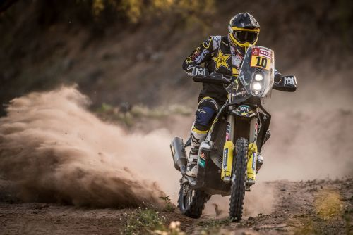 QUINTANILLA & SHORT CROSS THE FINISH LINE OF THE 2018 DAKAR RALLY