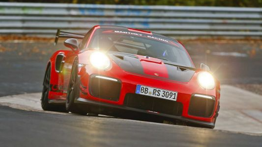 Porsche 911 GT2 RS MR Becomes Fastest Road-Legal Car Around The 'Ring