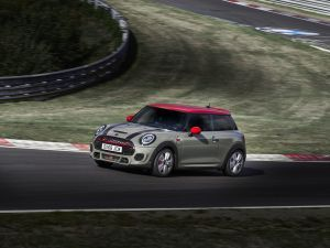 2019 Mini Cooper JCW Unveiled