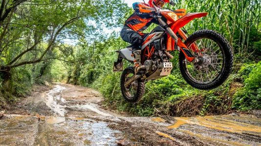 2019 KTM 690 Enduro R First Look