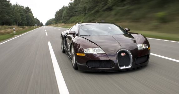 Here's What It's Like To Crash A Bugatti Veyron At 245mph
