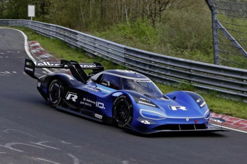Watch Volkswagen ID R Demolish Electric Lap Record At The Nurburgring