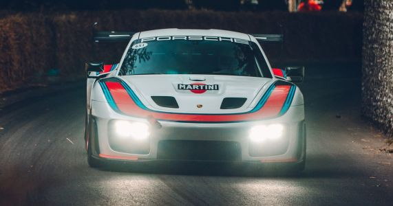 What It's Like To Drive A £700k Racing Car Up The Goodwood Hill Climb