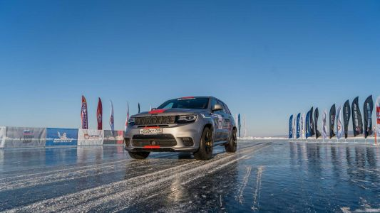 Jeep Grand Cherokee Trackhawk Is The Fastest SUV On Ice At 280 KM/H
