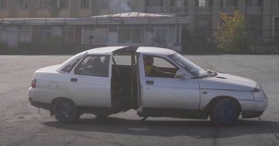 Someone Built An Articulated Lada, Because Why Not
