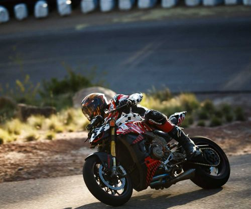 Dunne And Ducati's Streetfighter V4 Fastest At Pikes 2019