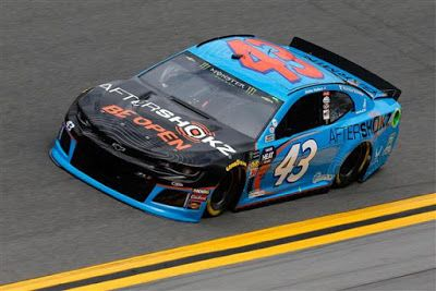 Truex and Wallace fastest in first two Daytona 500 practices