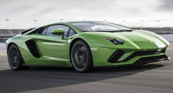 Lamborghini Wants To Stick With Naturally Aspirated Engines But Is Already Eyeing PHEVs