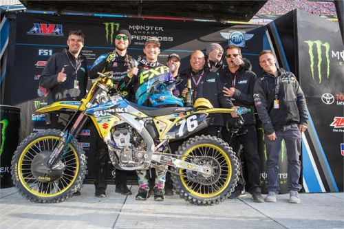 PETERS & AUTOTRADER SUZUKI PODIUM AT FOXBOROUGH SX