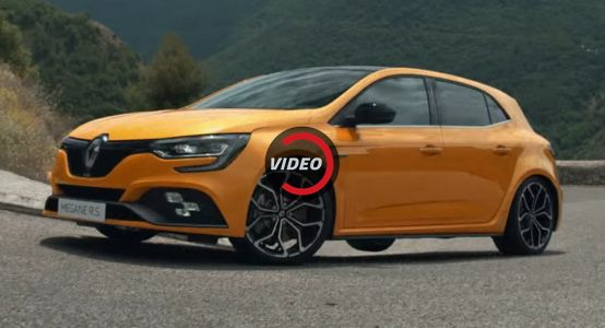 New Renault Megane RS Falls Into The Hands Of Three Masters Of Cornering