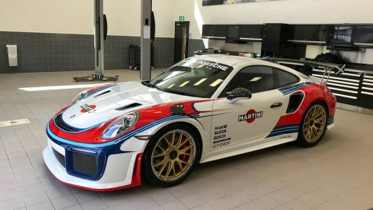 Porsche 911 GT2 RS Converted Into Moby Dick Martini Racing Tribute