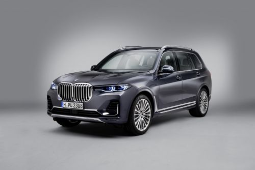 2019 BMW X7 Revealed To Blend Commanding Presence and Liberal Space