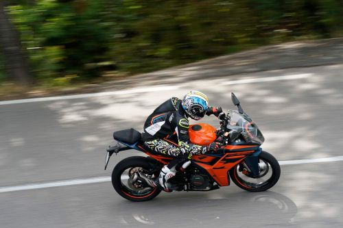 2022 KTM RC 390 First Ride Review