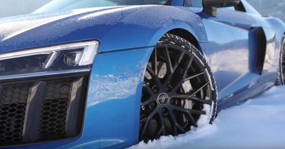 Usher In Winter With This Gorgeous, Snowy Audi R8 Video