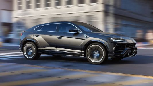 Hybrid Lamborghini Urus Coming Late Next Year