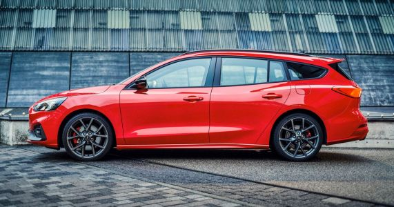 Here's Our First Look At The All-New Ford Focus ST Wagon
