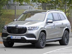 Mercedes-Maybach SUV Spied Without Camouflage