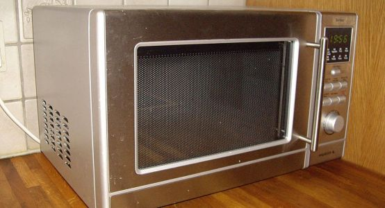 Study Claims Europe's Microwave Ovens Emit As Much CO2 As Nearly 7 Million Cars