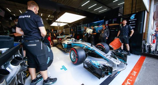 Mercedes F1 Staff Robbed At Gunpoint In Brazil, Hamilton Says It Happens Every Year