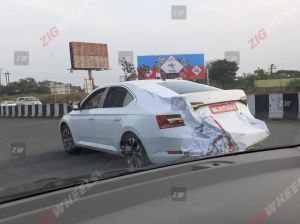 2020 Skoda Superb Facelift Spied In India Launch In Mid-2020