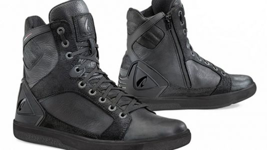 Top Casual Riding Shoes And Boots