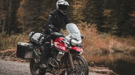 The Triumph Tiger 800 Makes Average People Feel Good About Themselves
