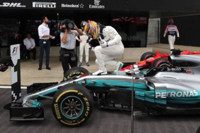 F1: Hamilton Claims 4th British GP Win in a Row, 1-2 for Mercedes