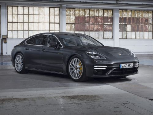 New Porsche Panamera Turbo S E-Hybrid Tops Range With 690 HP