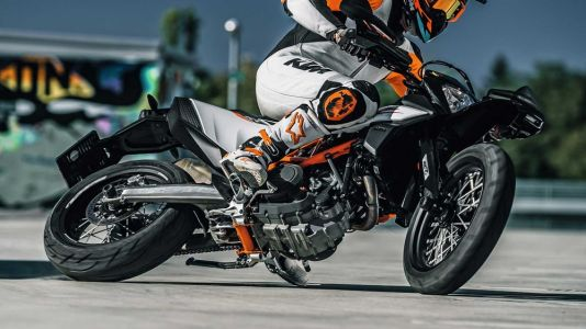2019 KTM 690 SMC R Supermoto First Look