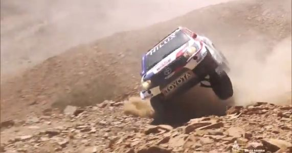Watch A Dakar-Racing Toyota Hilux's Axle Get Torn Out Like It's Nothing