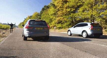 Check Out The Difference Between A Volvo XC60 D5 And A D4