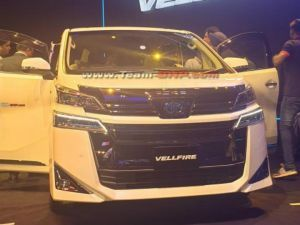 Toyota Showcases Vellfire MPV In India Ahead Of Launch