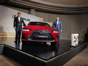 Made in India 2020 Lexus ES 300h Hybrid Luxury Sedan Launched At Rs 5190 Lakh 2020 NX Prices Also Revealed