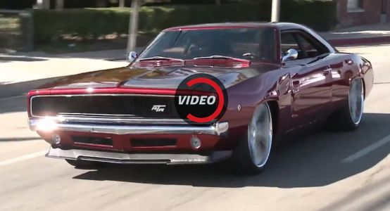 Viper-Powered Dodge Charger Leaves Jay Leno Impressed